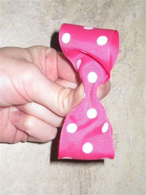 DIY Minnie Mouse Bow