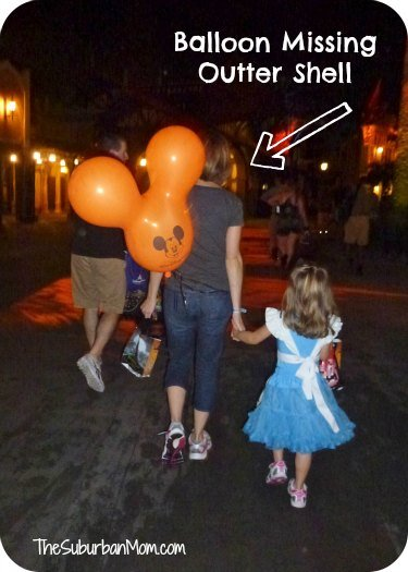 mickey-mouse-balloon-disney-magic-kingdom