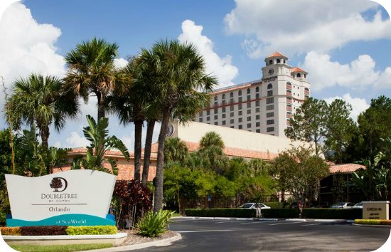 It's Spring, Time For A Little Staycay - Doubletree Orlando At SeaWorld | TheSuburbanMom