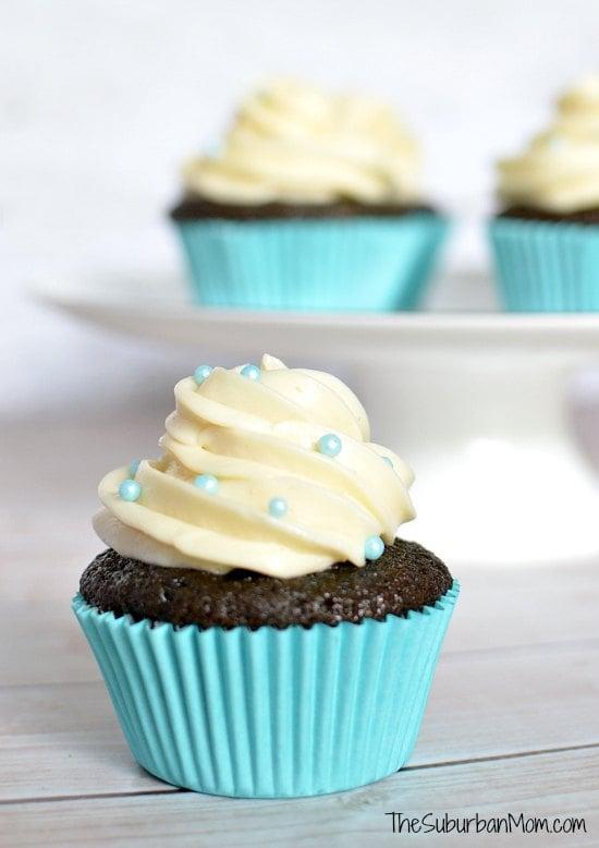 Frozen Inspired Blue Velvet Cupcakes Thesuburbanmom