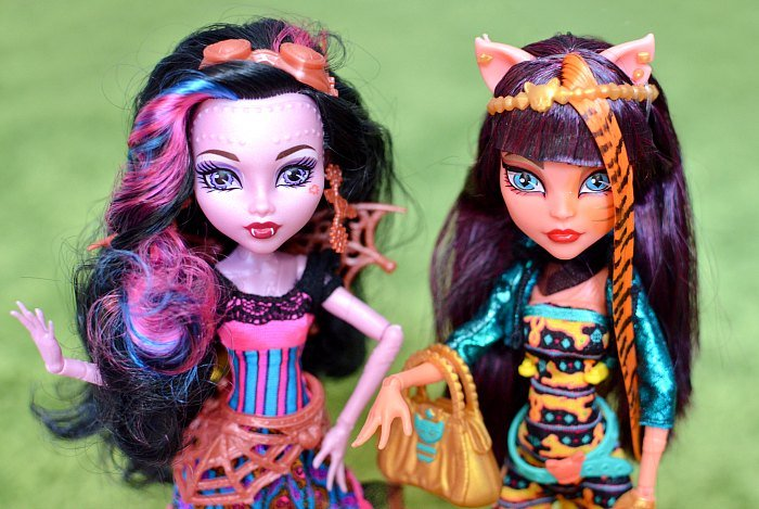 Beautiful lagoona doll monster high gets drenched in cum 19 times - 5 5