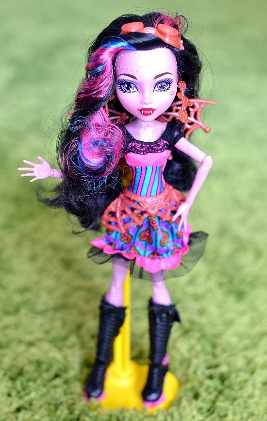 Beautiful lagoona doll monster high gets drenched in cum 19 times - 5 6