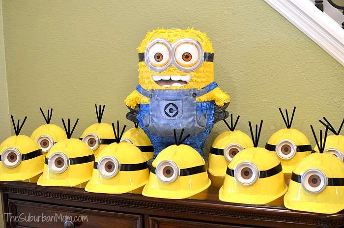 cute photo booth ideas - Minion Birthday Party Ideas