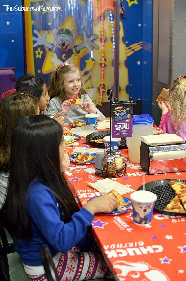 Chuck E Cheeses Party
