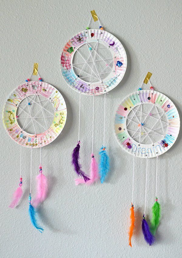 The bfg paper plate dream catchers kids craft the suburban mom for Ideas for making dream catchers