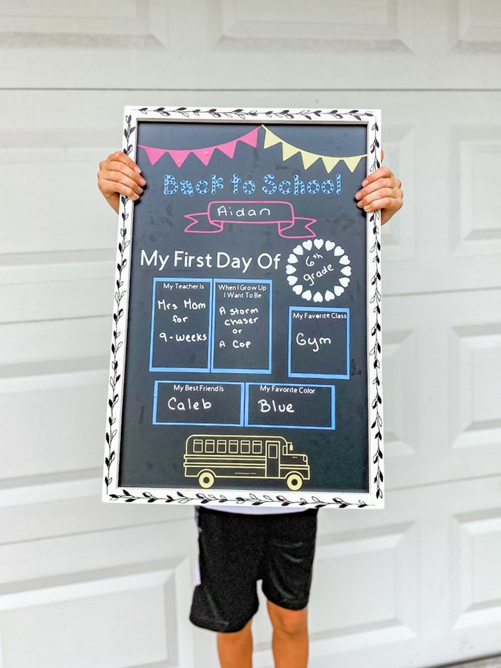 Cricut-First-Day-Of-School-Chalkboard-Sign