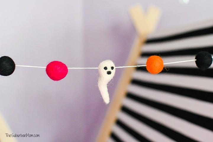 Halloween Felt Ball Ghost Garland
